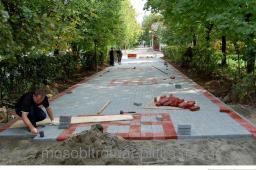Мощение тротуарных дорожек , укладка тротуарной плитки