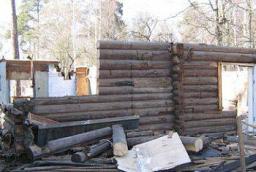 Слом деревянных стен, вывоз мусора