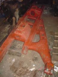 Рама тележки Т-130 24-21-165СП с плитой 50-21-197 в сборе
