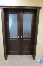 Двери двустворчатые из массива сосны