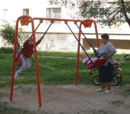 Детские качели большие на металлических стойках двойные Т405