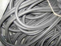 Трубка резиновая 1-1С 16х3 мм (кислотощелочестойкая средней твердости)