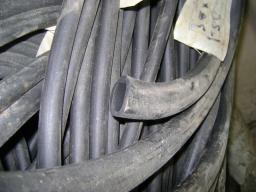 Трубка резиновая 1-1С 20х2 мм (кислотощелочестойкая средней твердости)