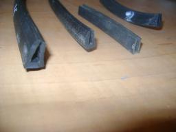 Профиль резиновый П-образный под стекло 2 мм
