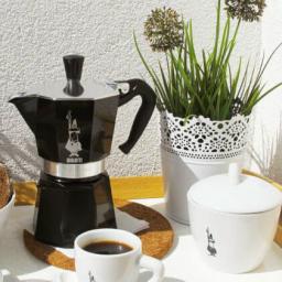 Гейзерная кофеварка MOKA EXPRESS черная