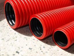 Труба для кабеля 50мм гофрированная двухслойная с муфтой (жёсткая)