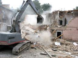 Снос домов, ветхих строений, гаражей в Анапе