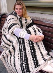 Плед с рукавами «ЗЕБРА» из собачьей шерсти