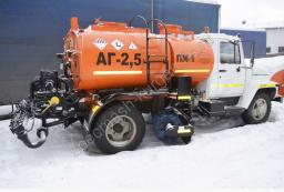 Автогудронатор с водяной цистерной