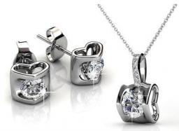Комплект из ожерелья и сережек