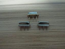 SAW резонатор (резонатор на поверхностных акустических волнах) D11 1680301