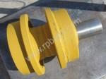 Каток поддерживающий 14X-30-00141 / 14X-30-00140 бульдозера Komatsu D65