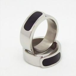 Кольцо мужское из стали и эмали.