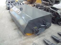 Щетка с бункером 2,0м. на трактор МТЗ фронтальная сцепка