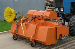 Щетка с бункером LUXCOM +системой орошения 2,2м. на трактор МТЗ