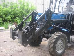 Фронтальный погрузчик 0,8т. для тракторов МТЗ 82.1; 82.2; 890,2; 892; 920; 920.2.