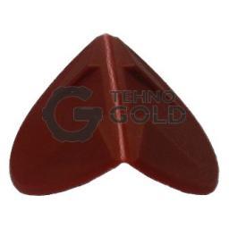 Гибкие пластиковые уголки применяются при обмотке грузов упаковочными стреппинг лентами. Лента пропускается через специальные пазы на уголке, тем самым предотвращается шанс её перетирания.