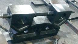 Механизм регулирования щели для дробилки СМД-110