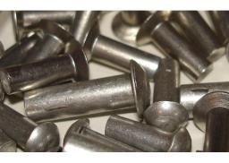 Заклепка ГОСТ 10300-80 стальная