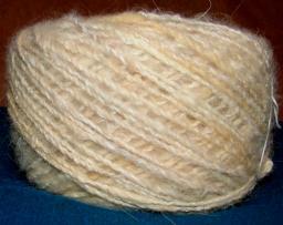 Пряжа «Белый Пушистик микс» ручного прядения для ручного вязания