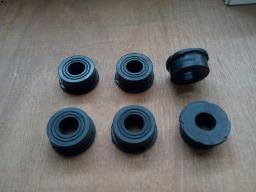 Изолятор клапанной крышки 6ISBe, 4ISBe, ISDe - 4899239, 5271613