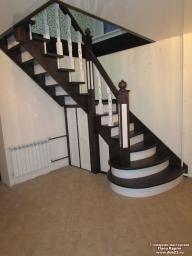 Лестница/кладовка из массива берёзы.