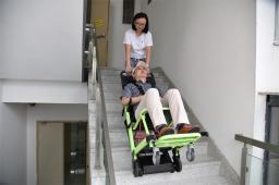 ST-G7 электроприводный кресельный лестничный подъёмник для инвалидов