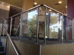 Ограждения из нержавеющей стали(нержавейки) со стеклом