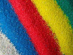 Цветной кварцевый песок Зеленая маслина RAL 6003 фракция 0,5 - 1,0 (мешок 25 кг)
