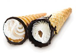 Вафельная трубочка с кремом