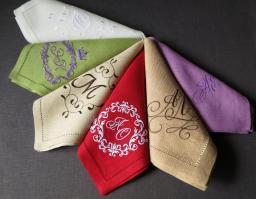 Салфетки с вышивкой монограмм и логотипов на заказ