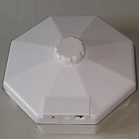 Электронная ловушка-уничтожитель тараканов