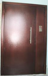 Двери подъездные; тамбурные и этажные перегородки.