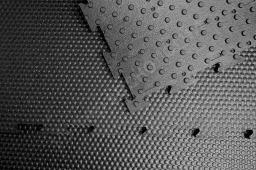 Коврик резиновый для дельта-скрепера. Толщина 24мм с шипом.