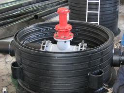Трубы и колодцы из полиэтилена для напорных сетей водоснабжения и канализации