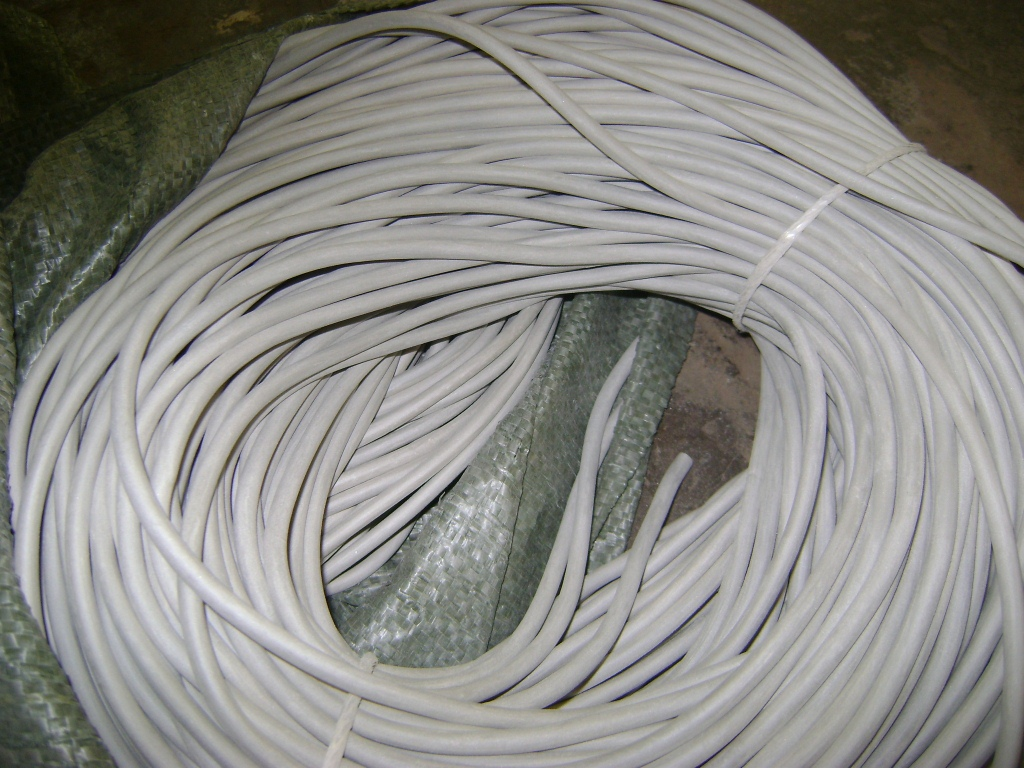 Трубка вакуумная размер 3х3 мм белого цвета
