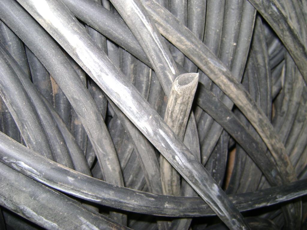 Трубка резиновая 1-2С 6,3х2 мм (теплостойкая средней твердости)