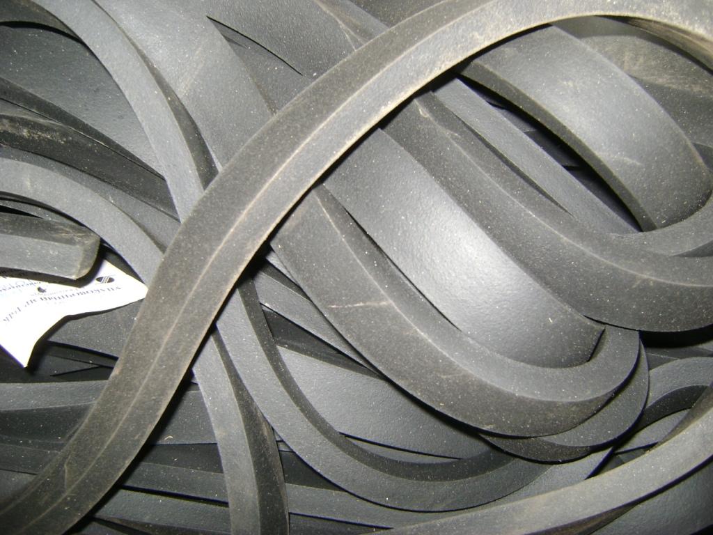 Шнур пористый прямоугольного сечения размер 14х15 мм