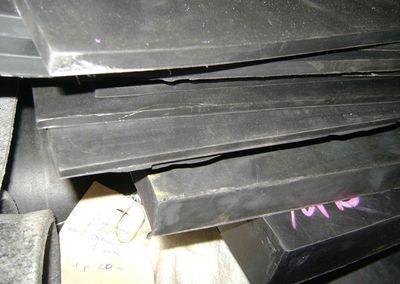 Техпластина резиновая ТМКЩ средней твердости размер 1000х500х40 мм
