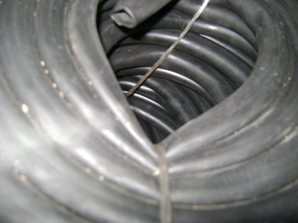 Трубка резиновая 1-2С 25х3 мм (теплостойкая средней твердости)