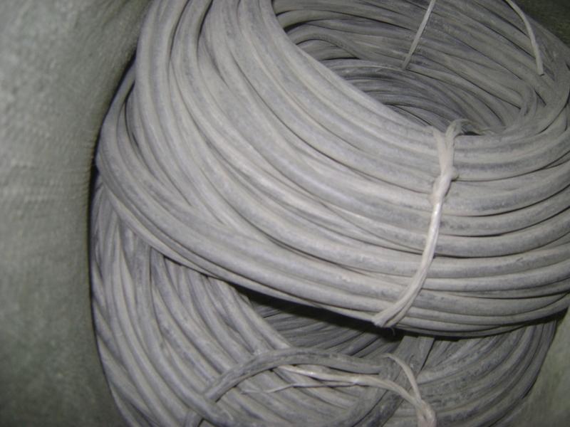 Трубка резиновая 1-4С 8х2 мм (маслобензостойкая средней твердости)