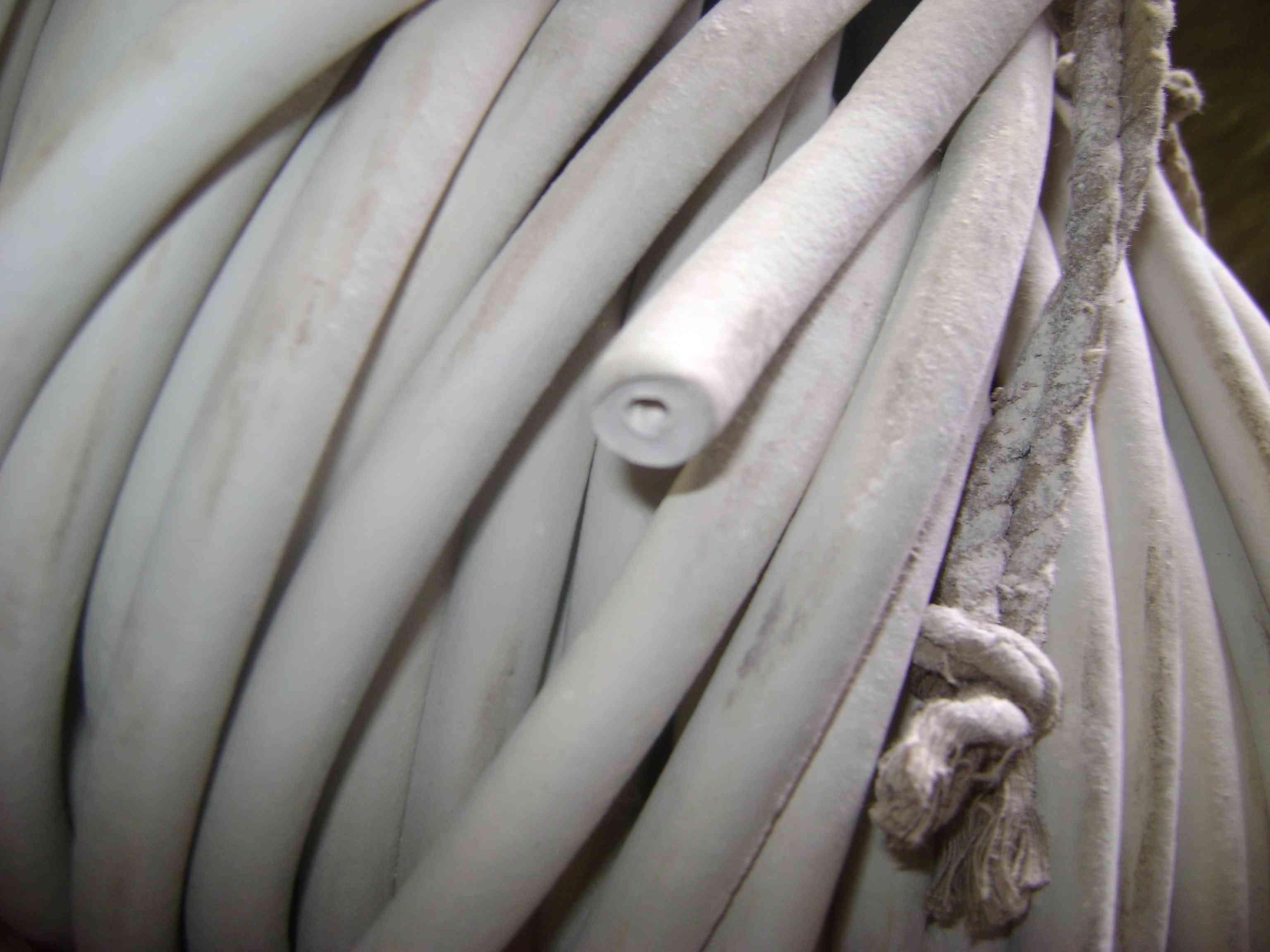 Трубка вакуумная размер 14х8 мм белого цвета