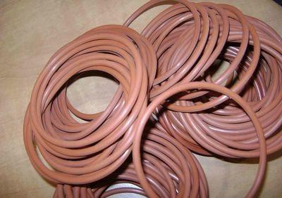 Резиновое кольцо из фторкаучука 045-055-58-2-6