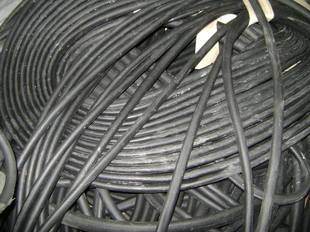 Трубка резиновая 1-1С 6,3х1,3мм (кислотощелочестойкая средней твердост