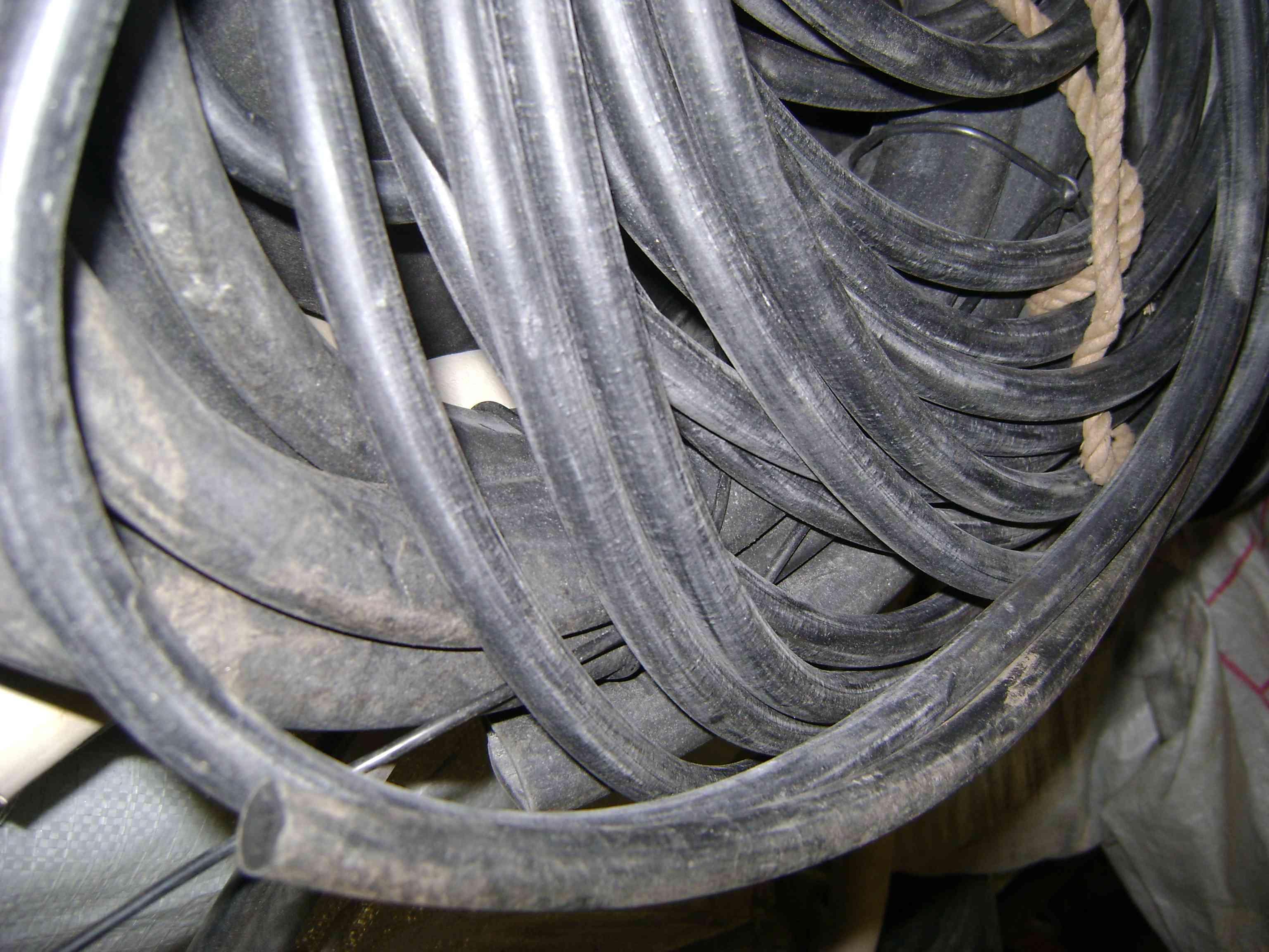 Трубка резиновая 1-3С 20х3мм (морозостойкая средней твердости)