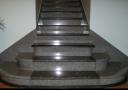 Каменная лестница из черного и серого гранита