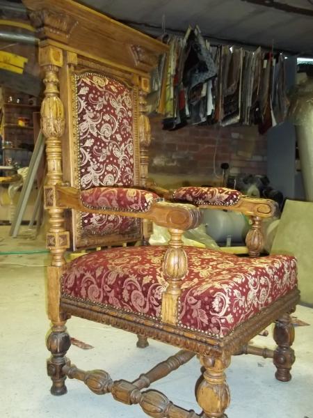 Обивка ремонт перетяжка мягкой мебели