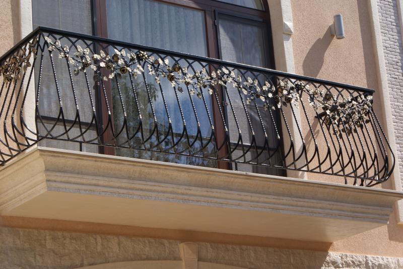 Балконы кованные в одессе - купить в одессе, цена 1000.00 ру.