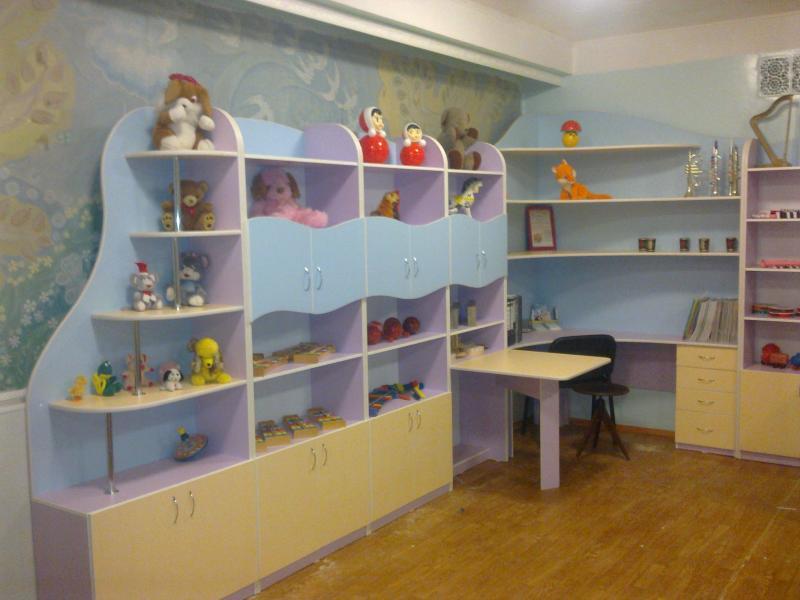 Стенка в музыкальный зал детского сада фото.