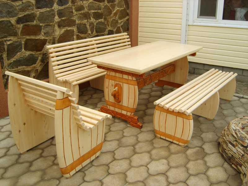 Декоративный деревянный стол своими руками